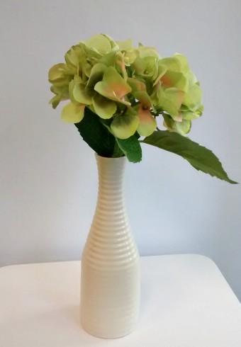 Vaza mare cu floare artificiala - 60RON